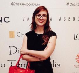 Cíntia Costa, do blog Planejando Meu Casamento.