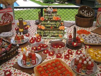 Casamento de boteco: mesa de doces