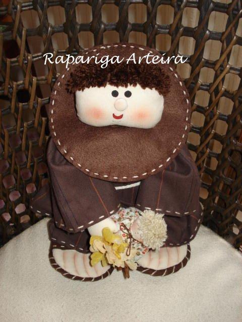 Boneco de Santo Antônio para jogar no casamento. Foto: Rapariga Arteira.