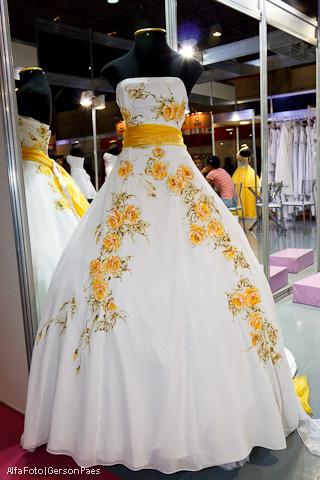Vestido De Noiva Pintado à Mão Planejando Meu Casamento