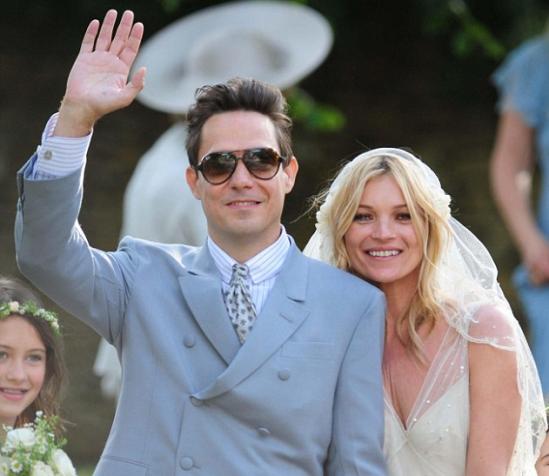 Casamento de Kate Moss: noivo e noiva felizes