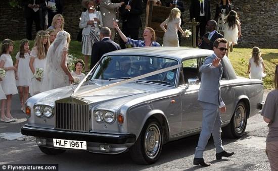 Casamento de Kate Moss e Jamie Hince: o carro dos noivos, um Rolls Royce