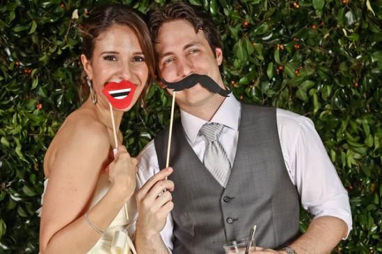 Foto casamento divertida com máscaras
