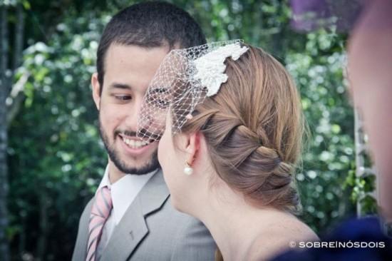 Penteado de noiva: trança embutida. Casamento no campo. Foto: Sobre | Nós Dois