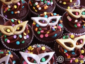 Cupcakes de carnaval. Foto: Luana Davidsohn, da Cupcakes da Luana.