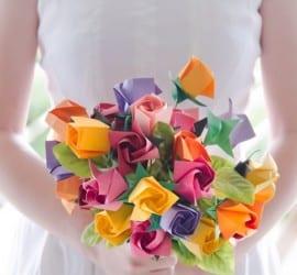 Buquê de noiva de origami diferente.