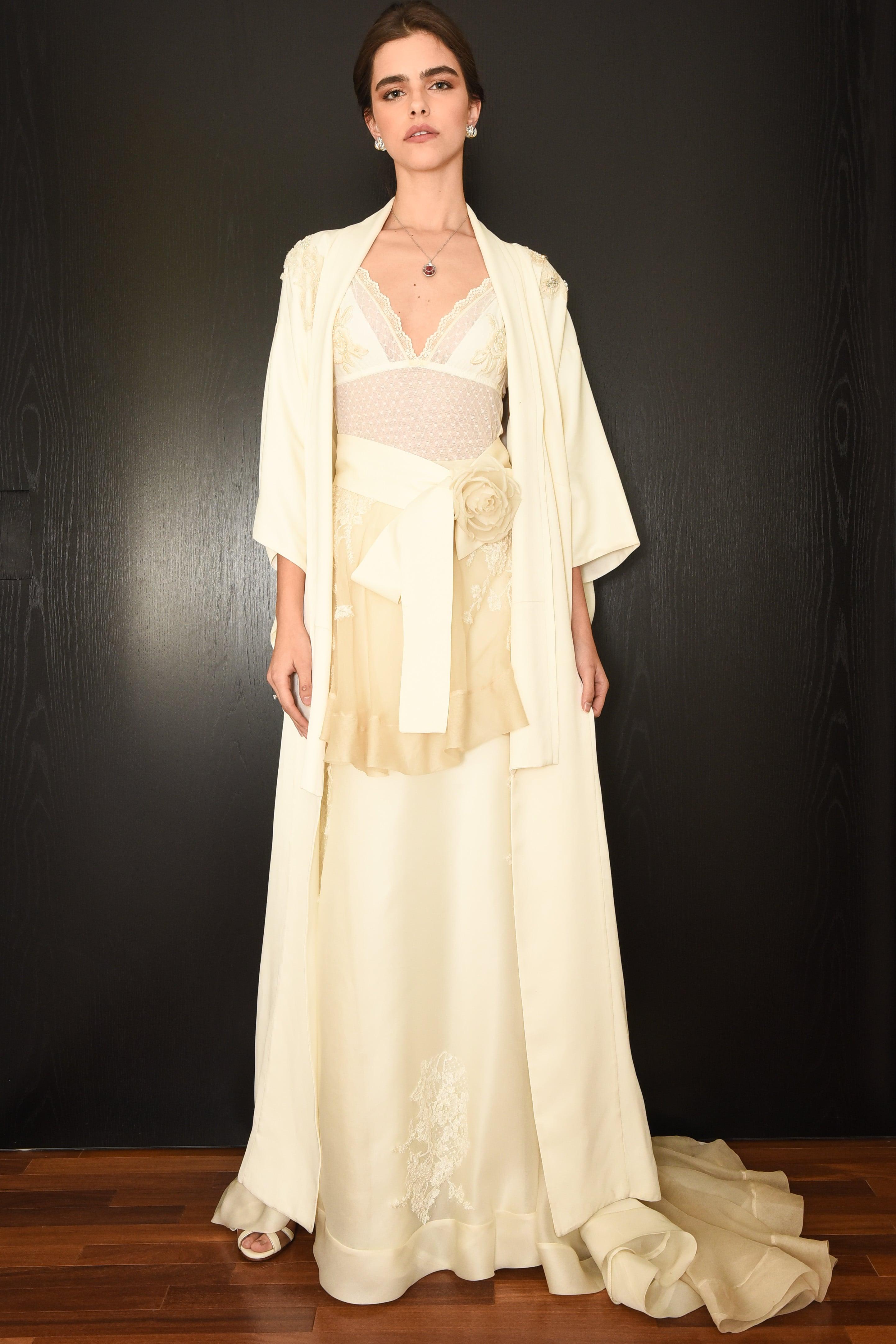 Tiffany Love Stories: vestido de noiva vintage de Emannuelle Junqueira, maquiagem e penteado de Marcos Proença e joias Tiffany. Foto: Divulgação.