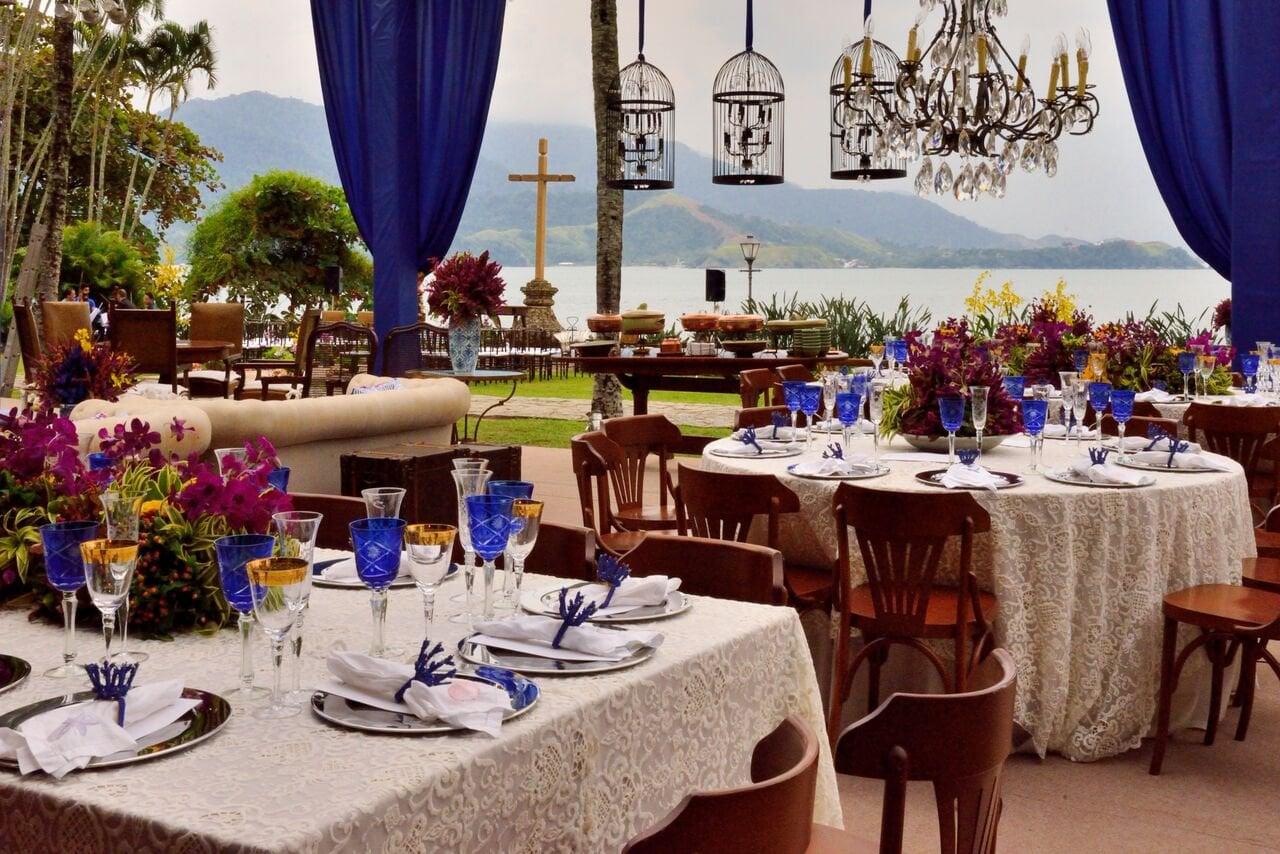 Espaços para casamento na praia em Ilhabela: Fazenda Siriúba. Veja mais locais no site Planejando Meu Casamento ( www.planejandomeucasamento.com.br ).