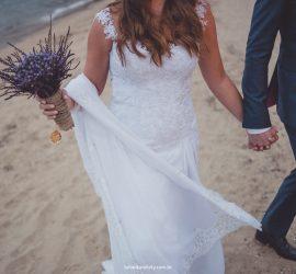 Como organizar casamento na praia. Foto: Rafael Karelisky. Mais inspirações no blog Planejando Meu Casamento ( www.planejandomeucasamento.com.br ).